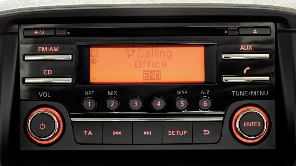 Nissan NT400 - Sistema de radio/CD Bluetooth
