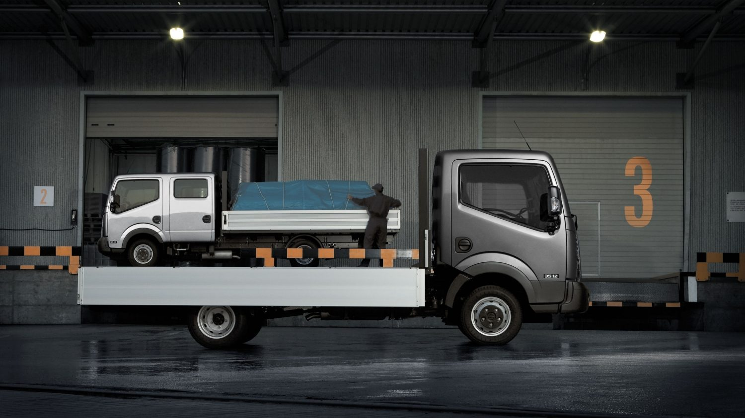 Nissan NT400 | Chassis cab exterior