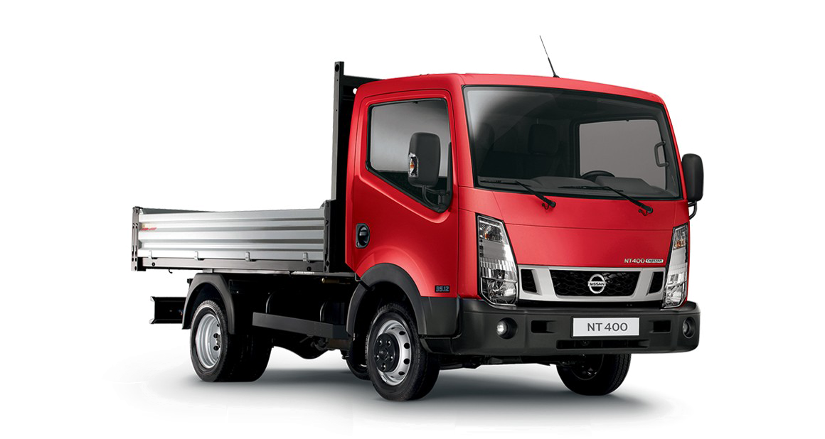 Nissan NT400 CABSTAR red - 3/4 front view