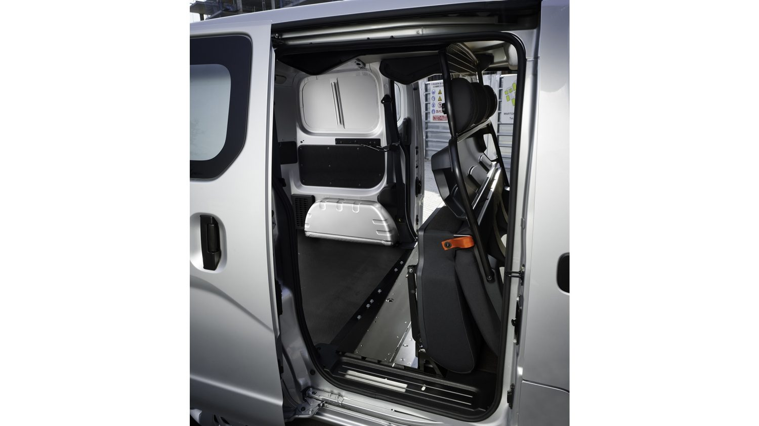 2-3 foldable rear seats.
