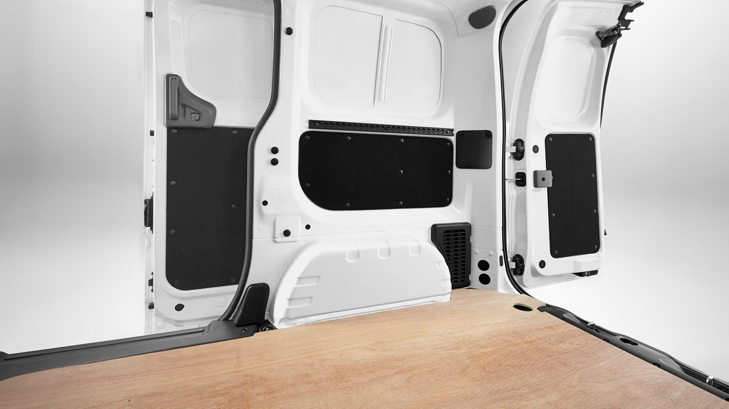 Nissan NV200 - Interior - Floor wood protection panel