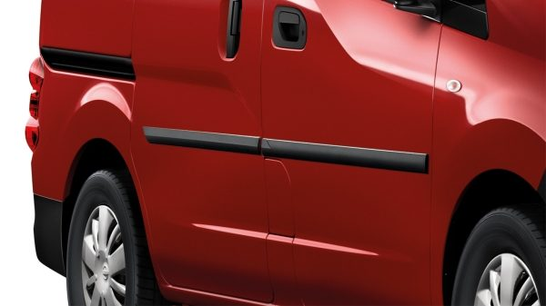 Nissan NV200 - Exterior - Body side mouldings