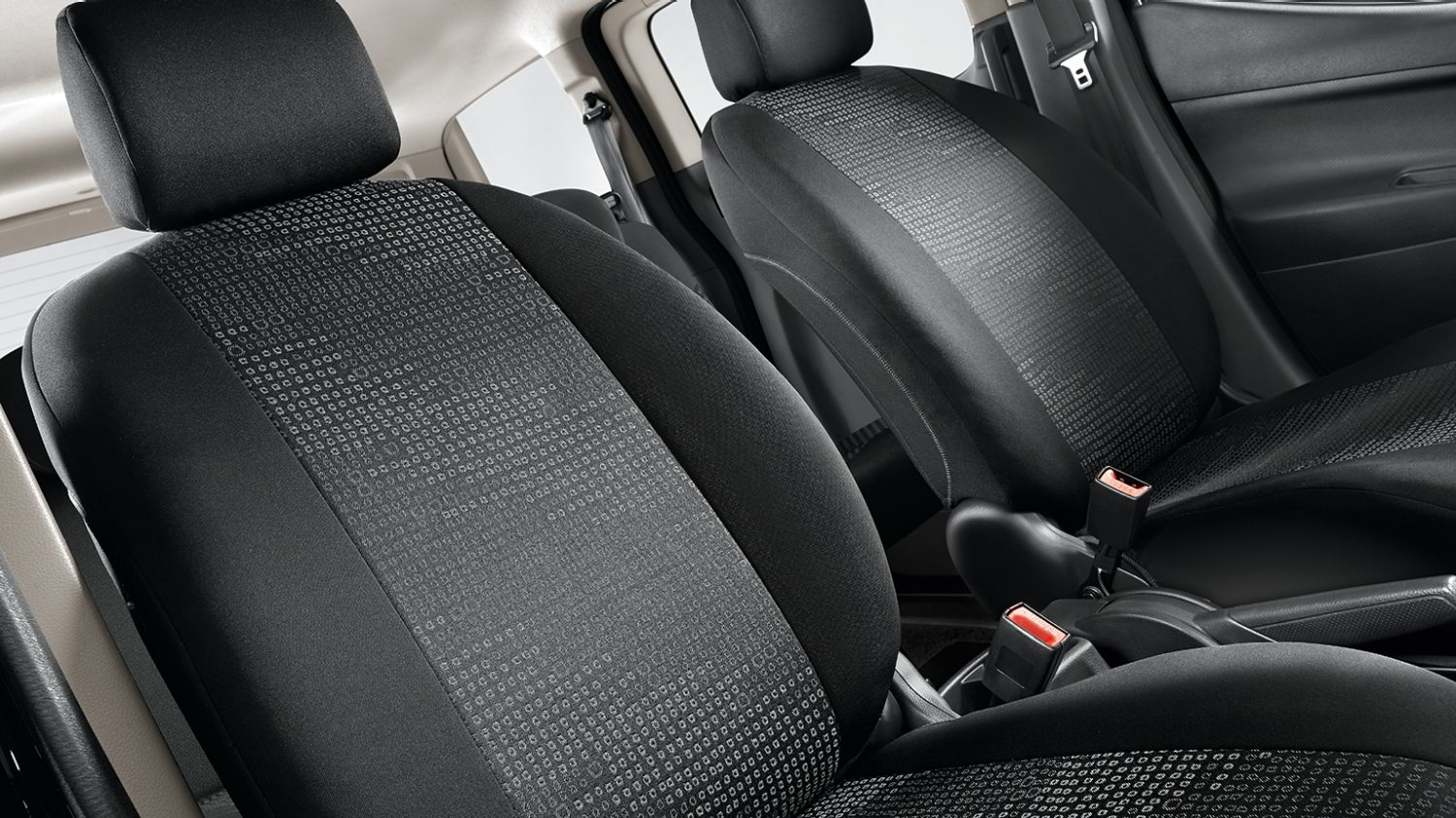 Nissan NV200 - Interior - Seat covers