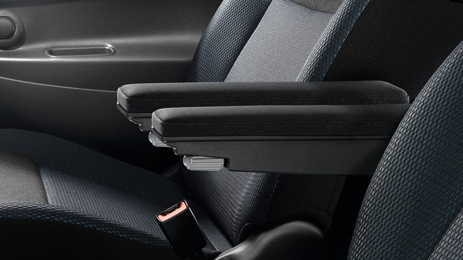 Nissan NV200 - Interior - Armrest double kit black textile
