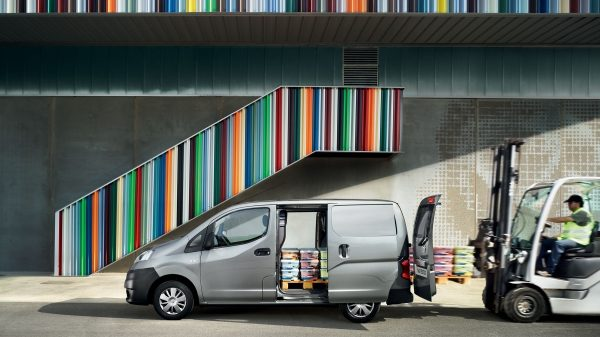 NISSAN NV200 - Full access loading