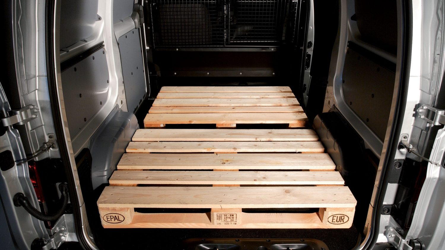 Van | Nissan NV200 | Racking