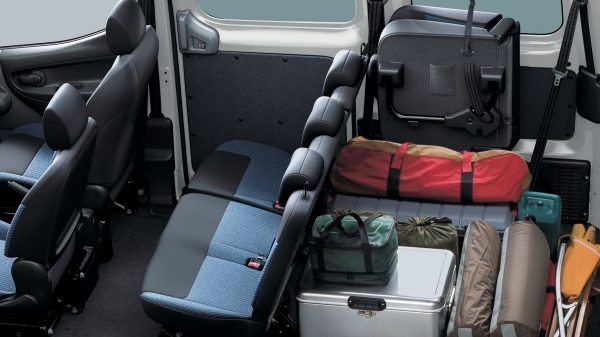 NISSAN NV200 - Room to spare