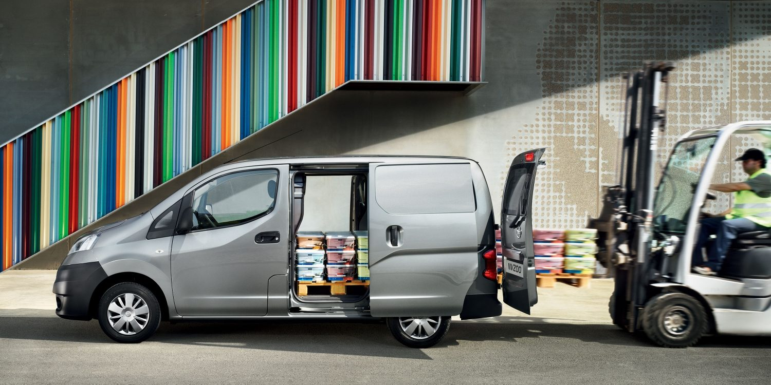 Nissan NV200 - Prolfile view with cargo doors open