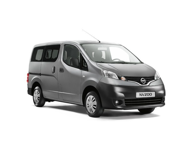 Nissan NV200 - 3/4 front view