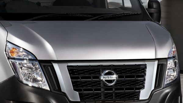 Nissan NV400 - Spacious and practical - Auto-dip headlamps