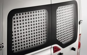 Nissan NV400 - Interior - Rear windows protection grill