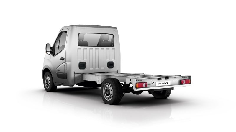 Nissan NV400 - 3/4 back view of the chassis