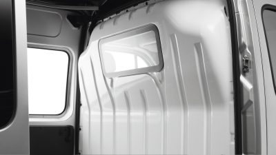Nissan NV400 | Glazed windows