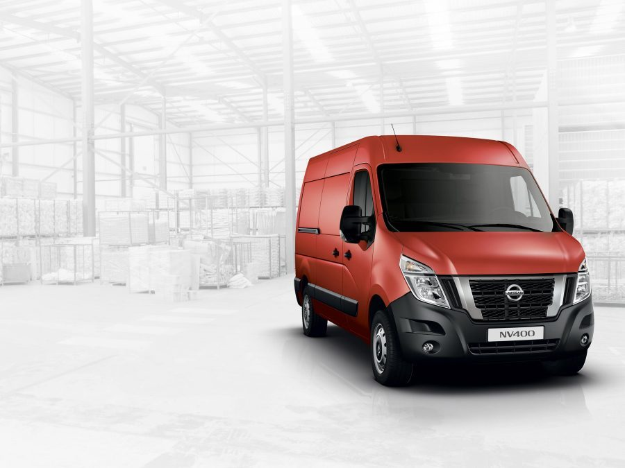 Nissan NV400 red - Front wheel drive