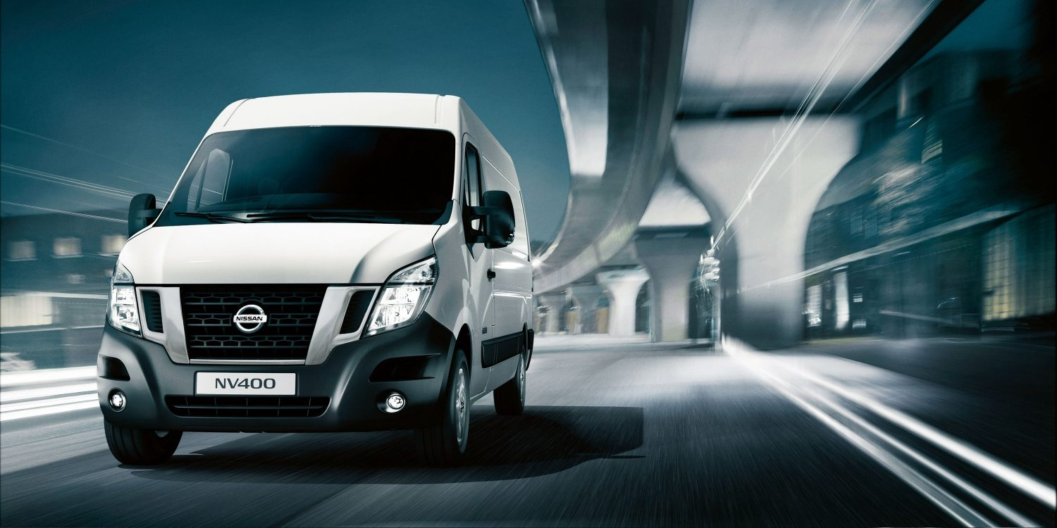 Nissan nv400 white - Front view