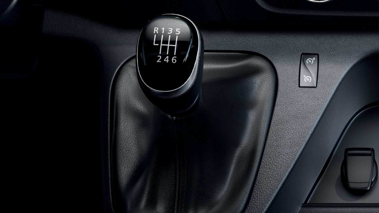 Nissan NV400 - 6-speed manual transmission shifter