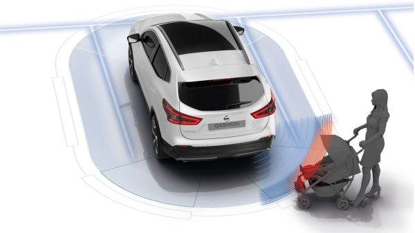 Nissan QASHQAI Moving Object Detection