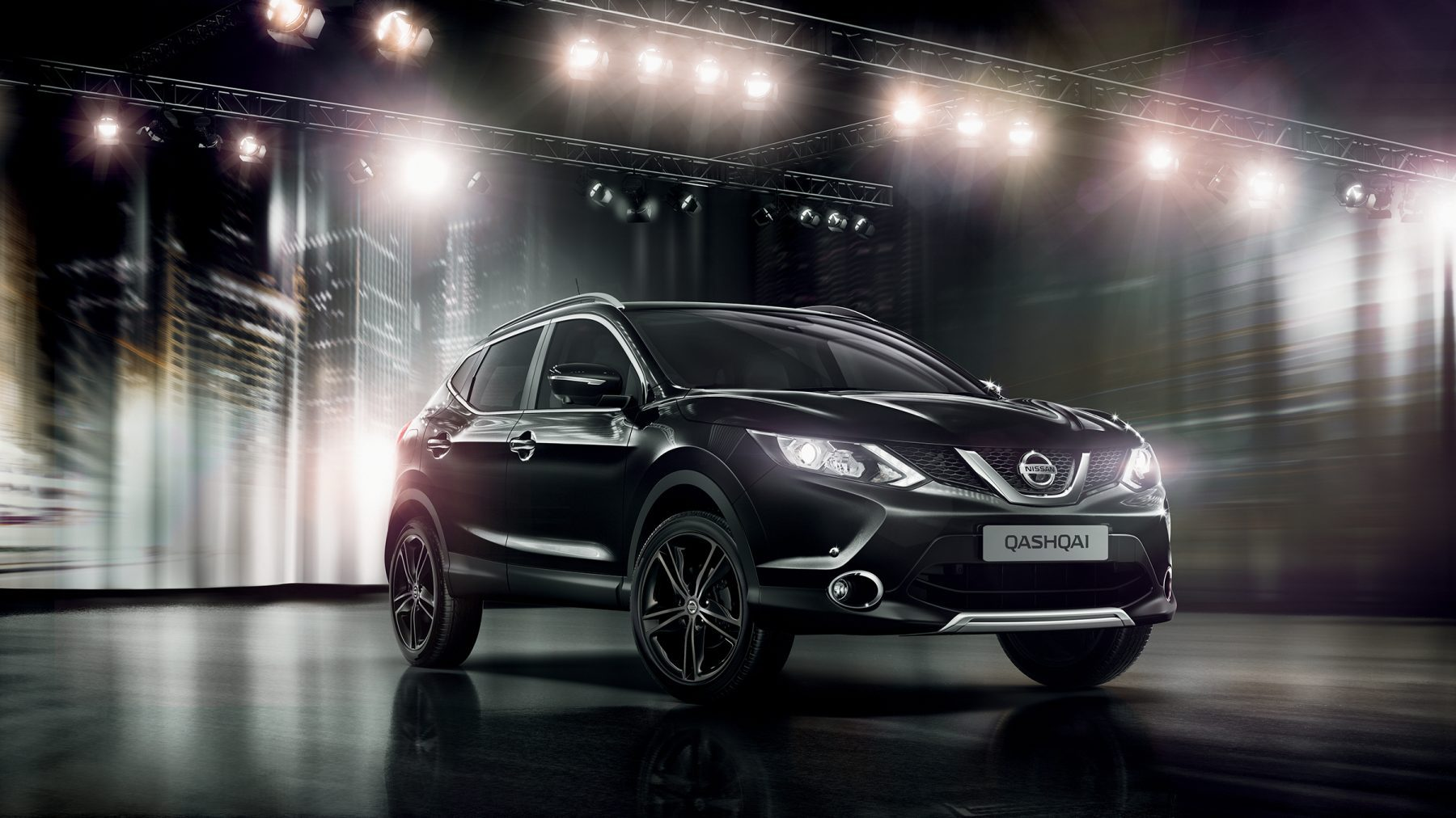 The Qashqai Black Edition's exterior with black alloys and front and rear styling plates.