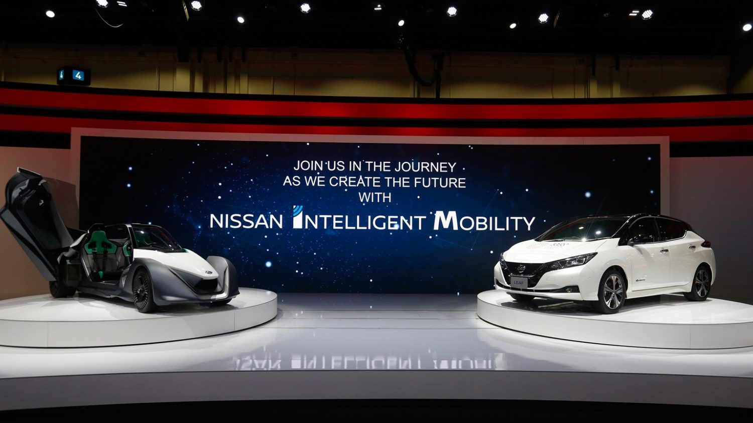 Nissan Electrifies Dubai International Motor Show with its Latest Innovative Portfolio