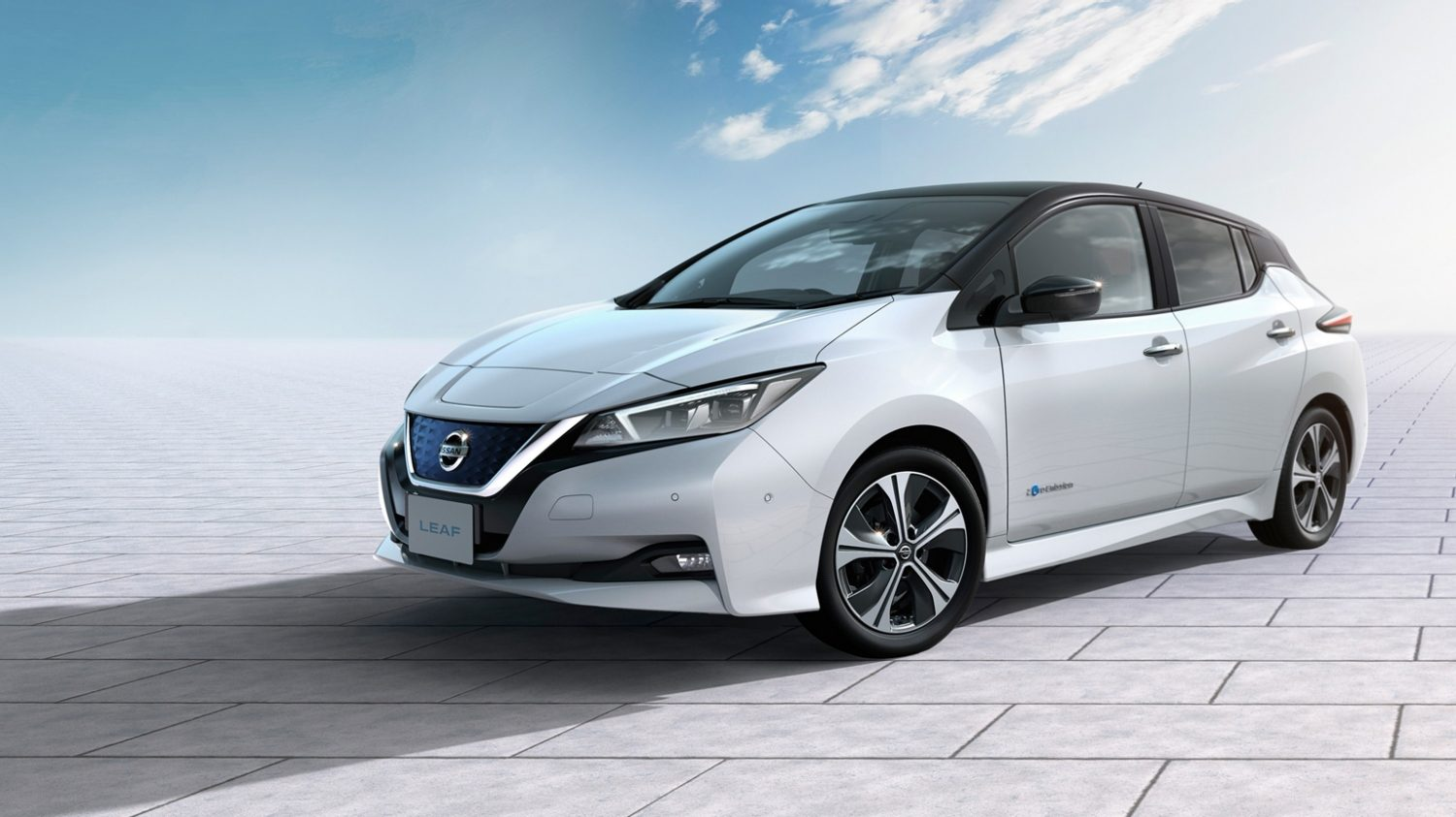 New Nissan LEAF wins first international award