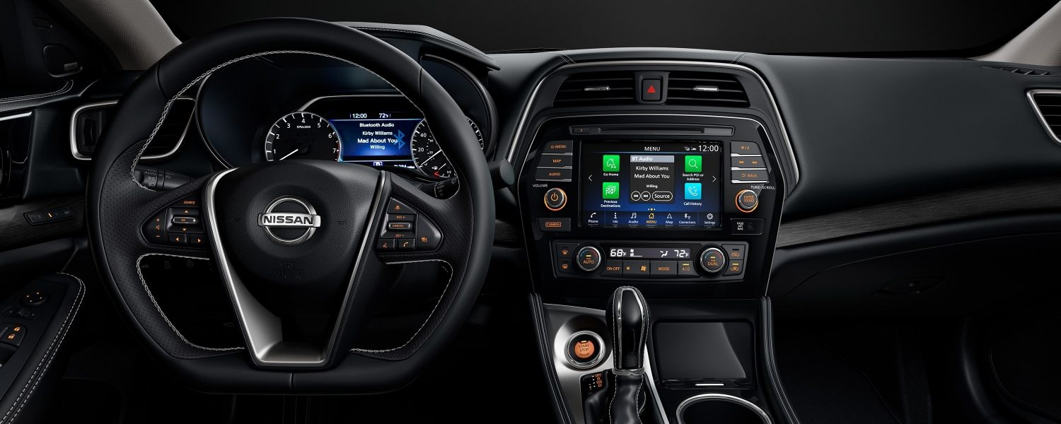 Nissan Maxima display commander