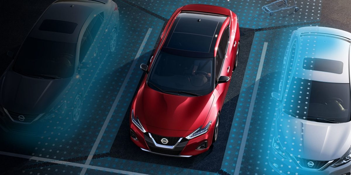 Nissan Maxima parallel parking virtual above view