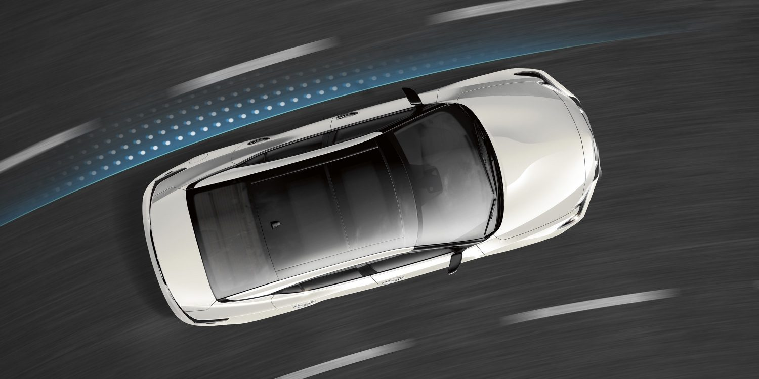 Nissan Maxima intelligent trace control driving on curve with above view