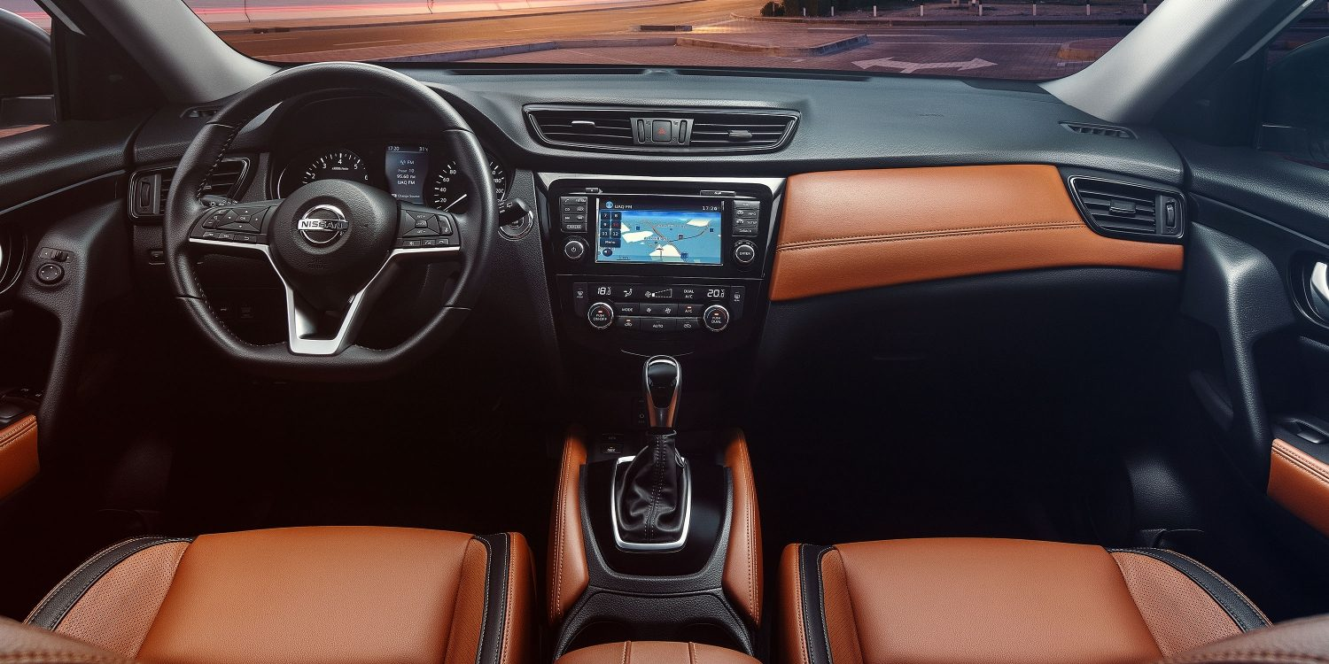 2018 NISSAN X-TRAIL tan interior dashboard