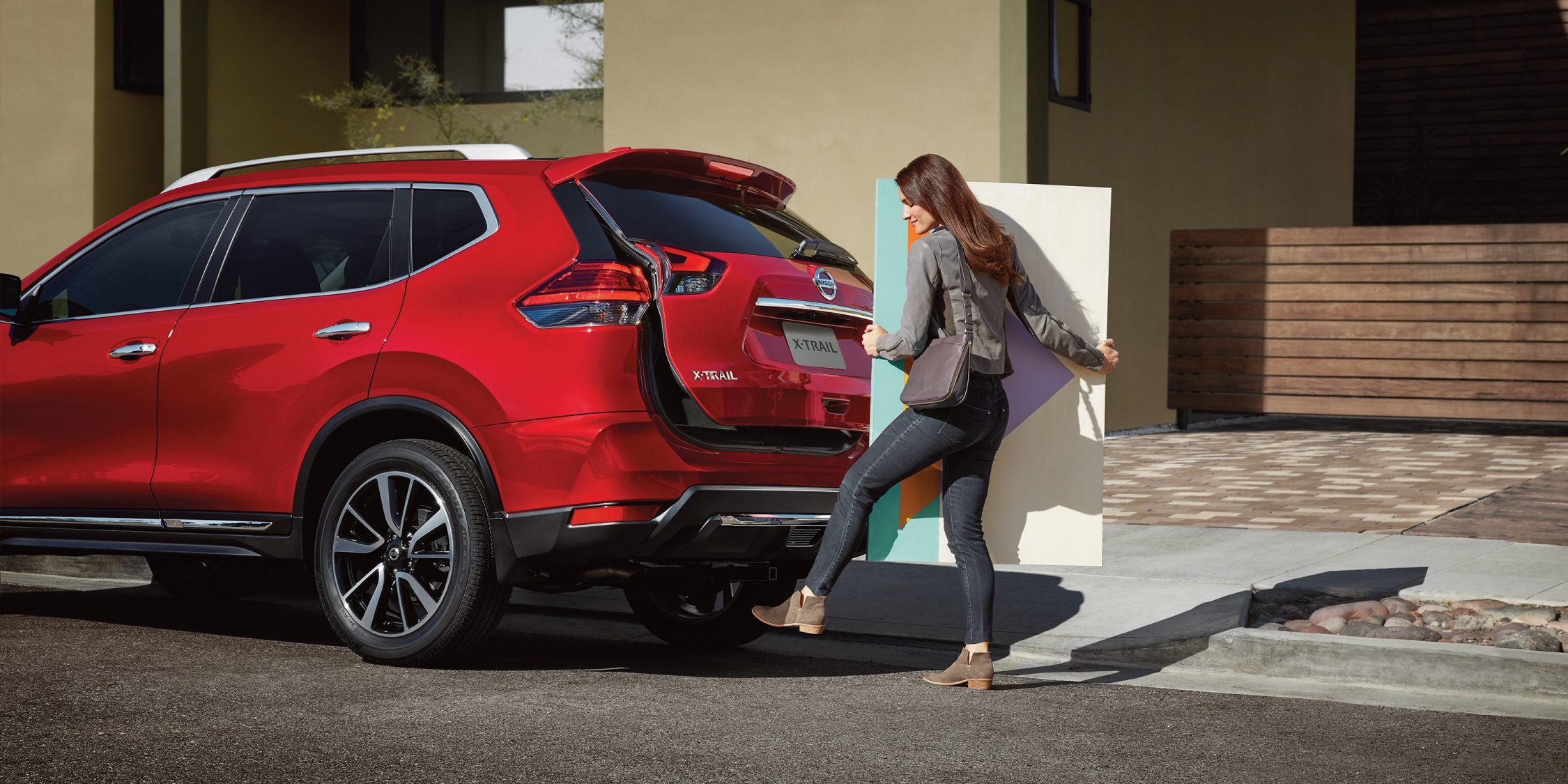 Nissan X-Trail MOTION ACTIVATED LIFTGATE
