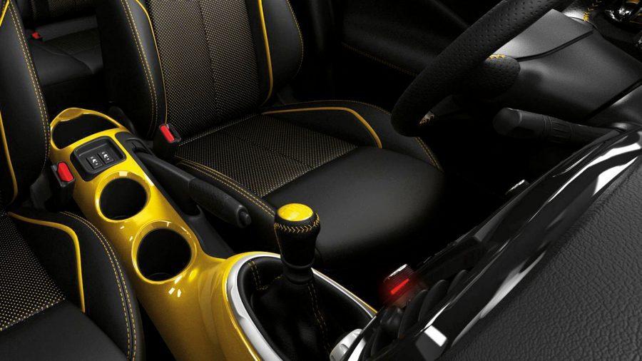 Nissan JUKE— интерьер— центральная консоль