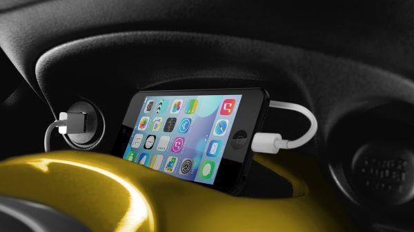 Nissan JUKE– Мультимедийная система NISSANCONNECT , смартфон и MP3-проигрыватель
