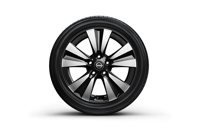 "Nissan Tiida - OE 17"" alloy wheel"
