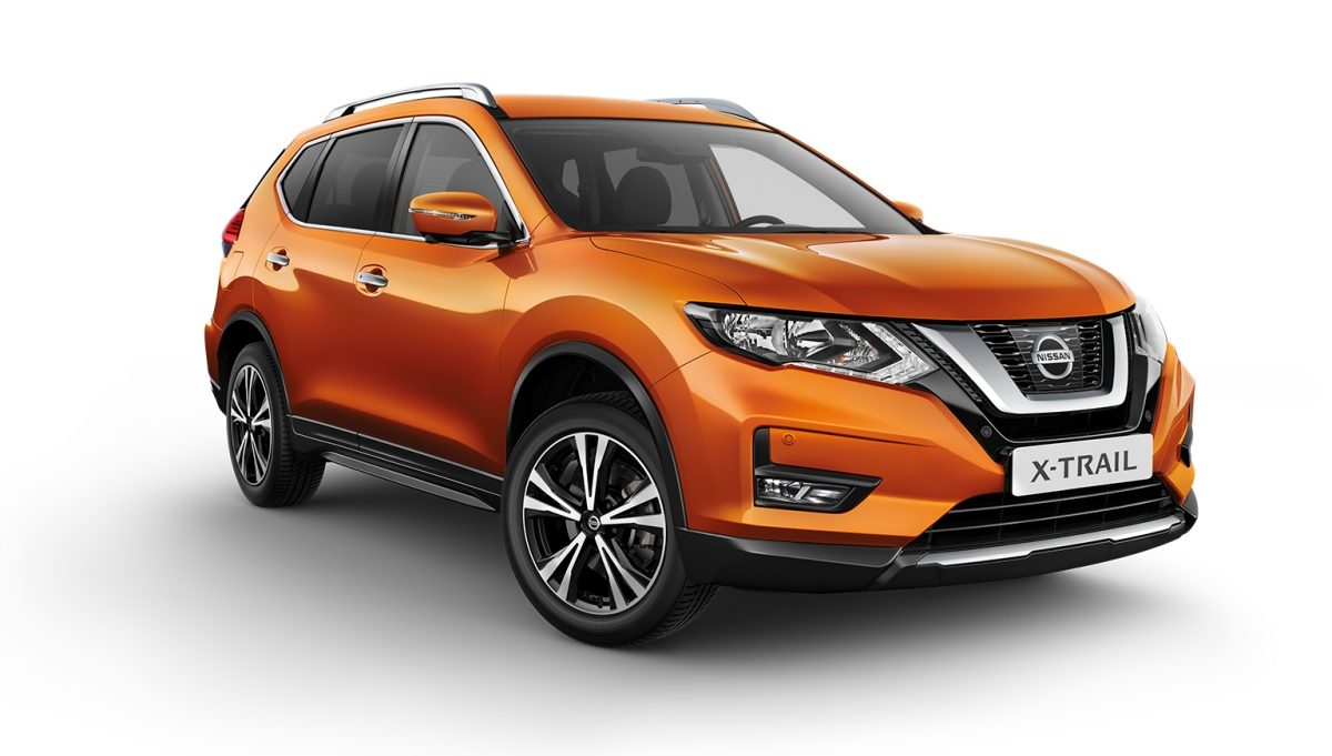 X-Trail packshot 3/4 front