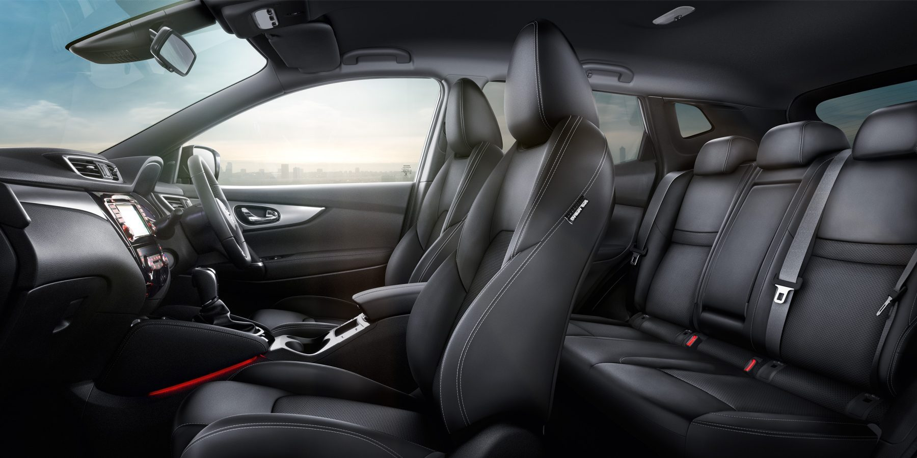 Qashqai Large interior - Black Part Leather Part Cloth Trim Monoform style seats