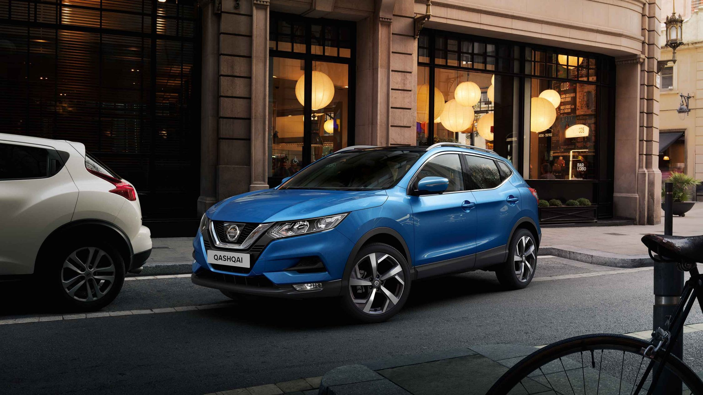 Qashqai 3/4 front in the street