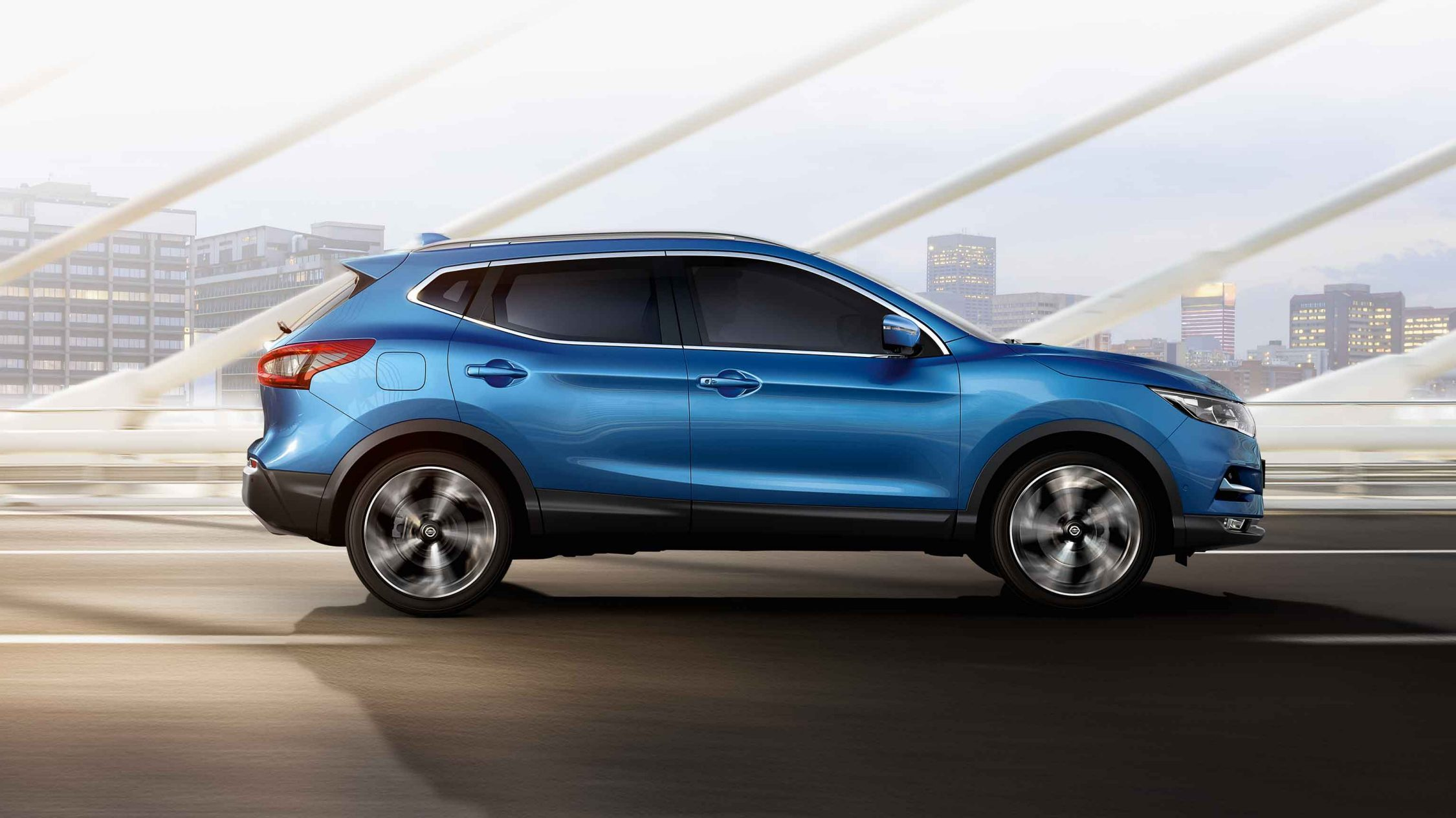 Qashqai side on bridge