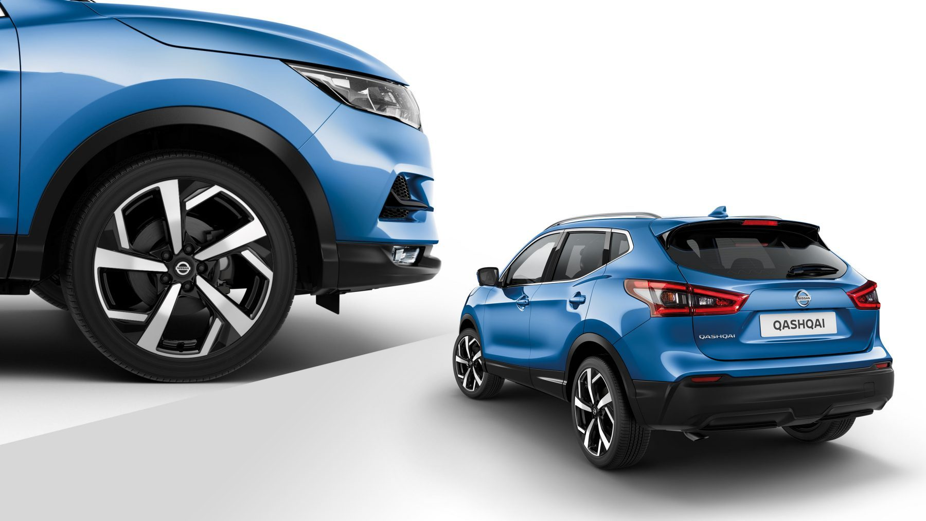 "Qashqai collage 3/4 rear and profile detail of 19"" alloy wheels"